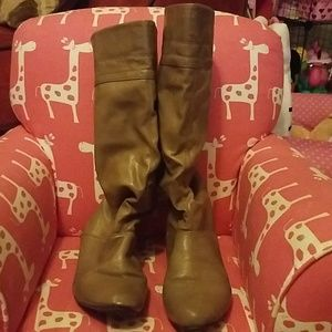 Shoes - Tan Boots Size 8